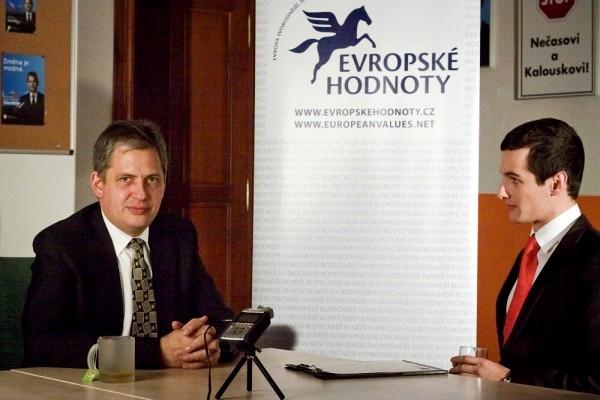 Jiří Dienstbier v rozhovoru s Jakubem Jandou z Evropských hodnot